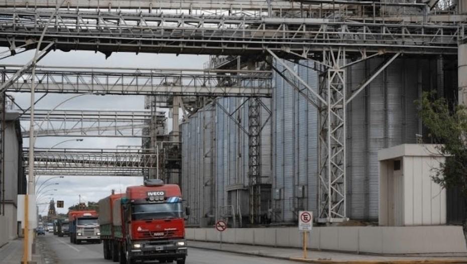 Granos: cuál va a ser el impacto del flete en camión y del costo del gasoil